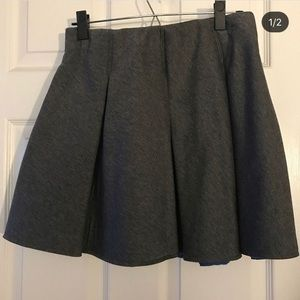 Gray pleated skirt, size L